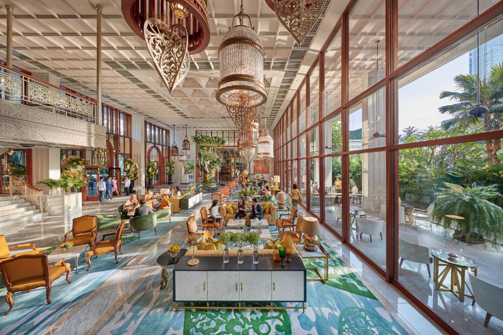 A restaurant or other place to eat at Mandarin Oriental Bangkok