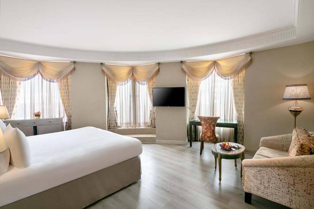 Radisson Blu Mbd Hotel Noida India Booking Com