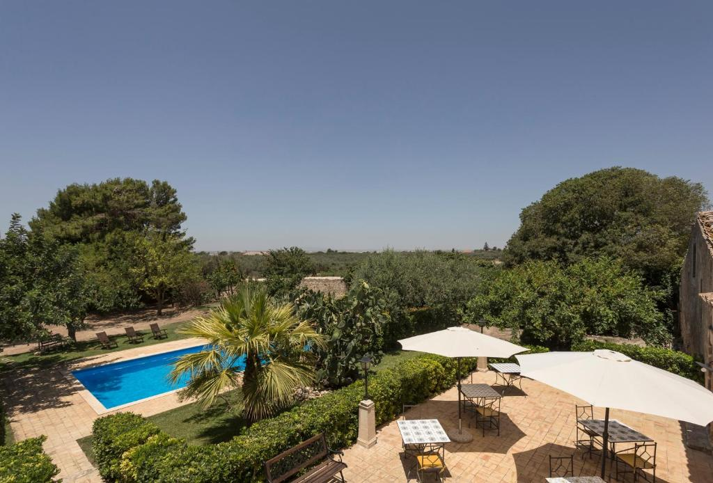A view of the pool at House with 6 bedrooms in Chiaramonte Gulfi with wonderful mountain view shared pool enclosed garden 20 km from the beach or nearby