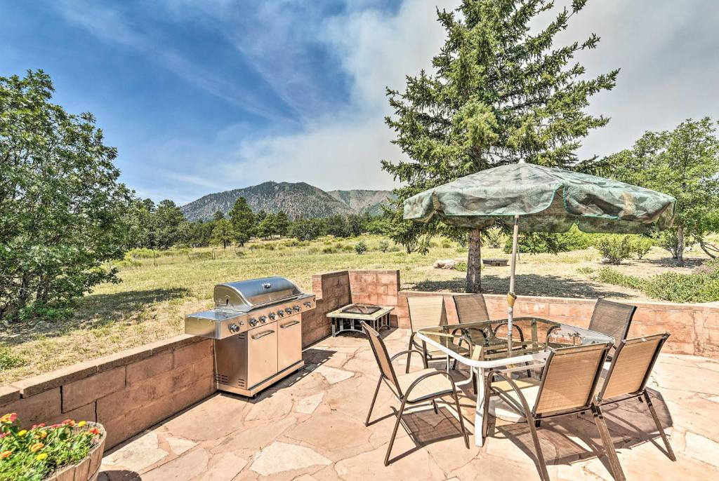 Lovely Flagstaff Home with BBQ Area and Mtn Views!
