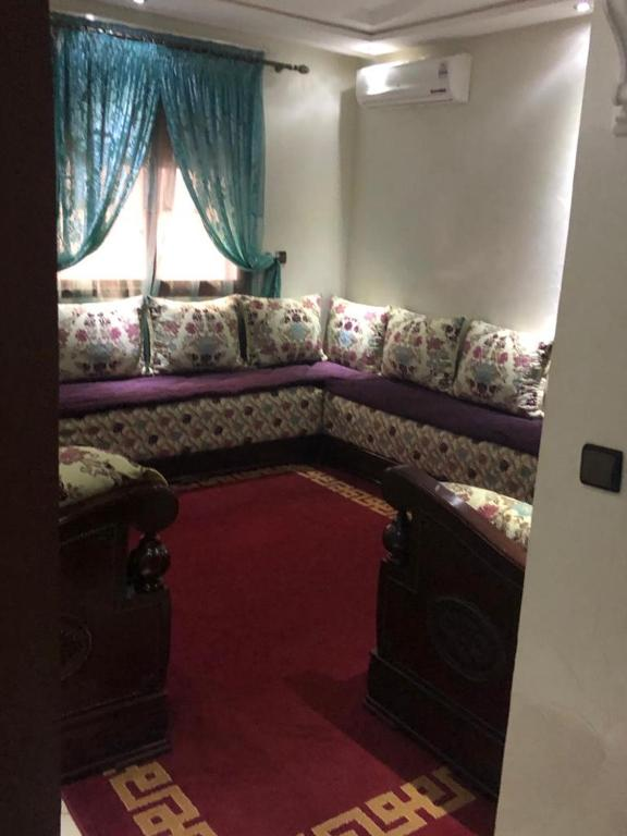 A seating area at Diyar Al Hamra