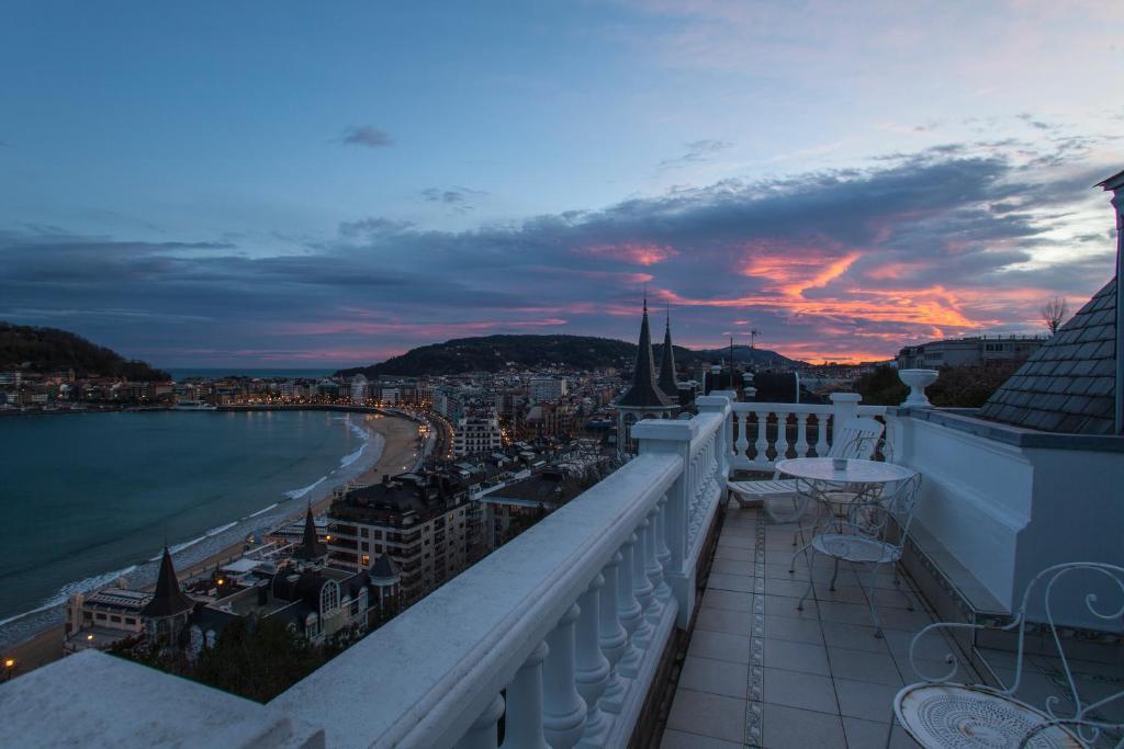 Homestay Far Out Collective San Sebastián Spain Booking Com