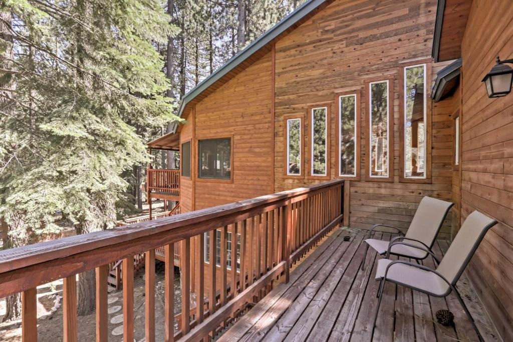South Lake Tahoe Cabin with Private Sauna & Game Room