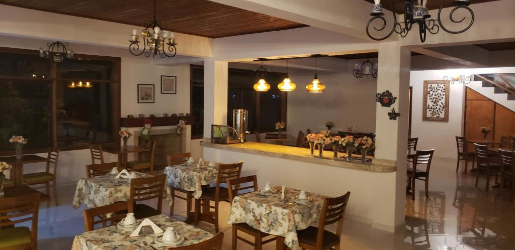 A restaurant or other place to eat at Hotel Villa Greenberg