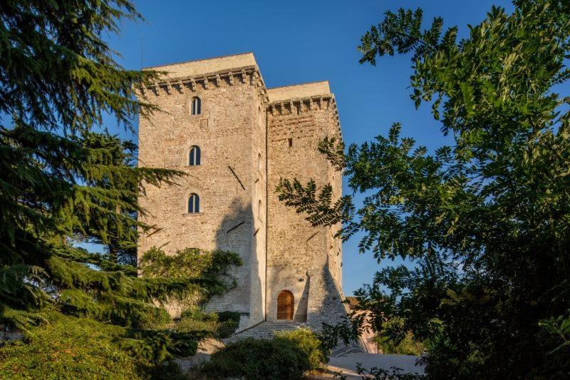 Frontignano Villa Sleeps 12 with Pool Air Con and WiFi