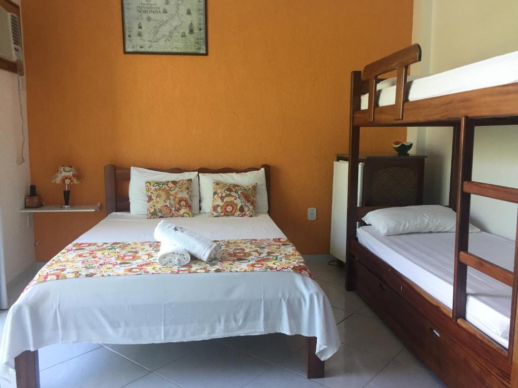 Uma ou mais camas em beliche em um quarto em Upwind