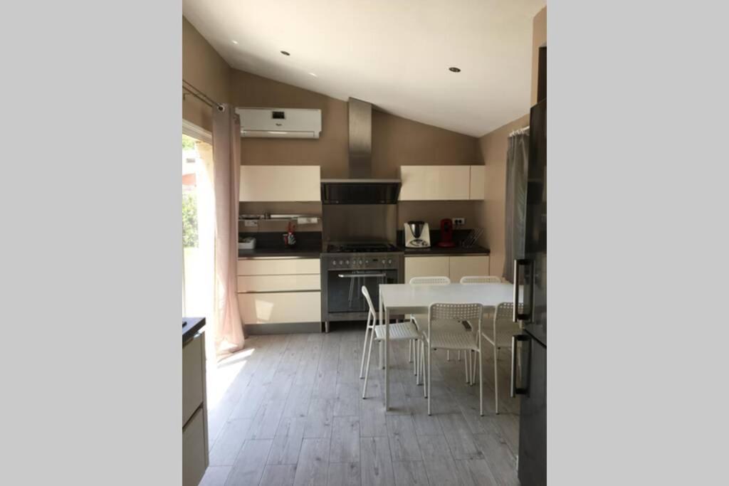 Villa Maison 100m2 Mauguio France Booking Com