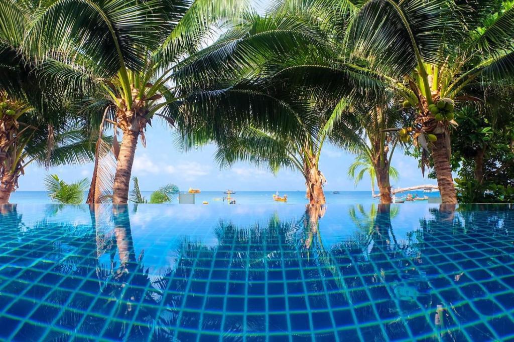 المسبح في منتجع سيشيل كوه تاو أو بالجوار