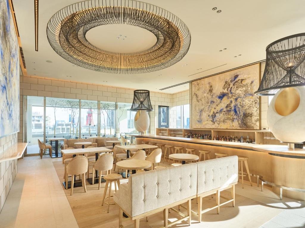 A restaurant or other place to eat at Mitsui Garden Hotel Roppongi Tokyo Premier