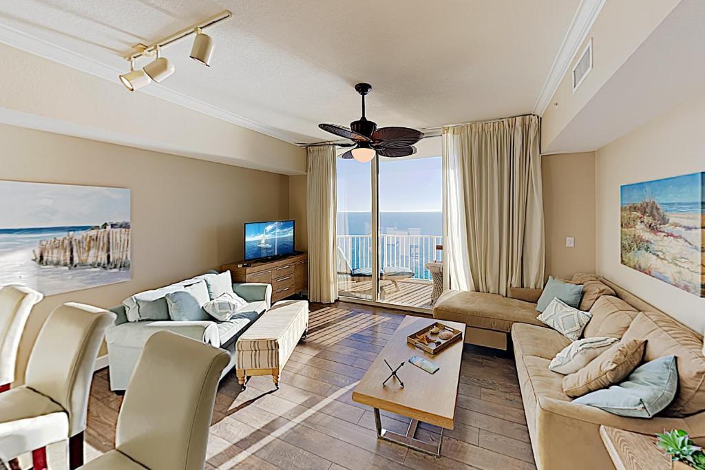 Impeccable Oceanfront Condo w/ Pools & Huge Gym condo