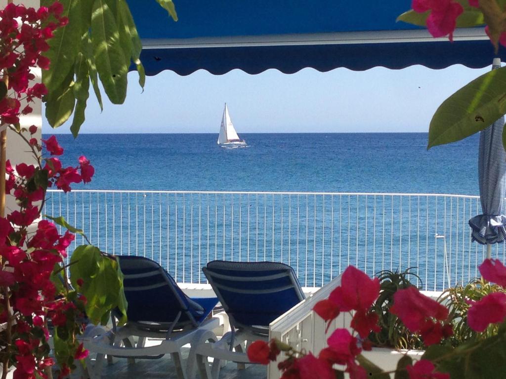 Vista general del mar o vista desde la villa