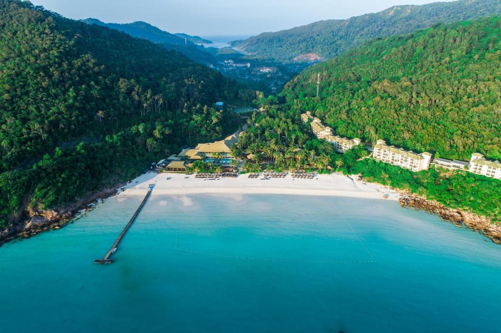 Ett flygfoto av The Taaras Beach & Spa Resort