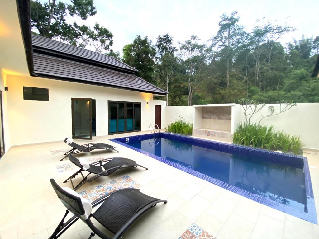 Charis Janda Baik Riverfronting Villa Bentong Malaysia Booking Com
