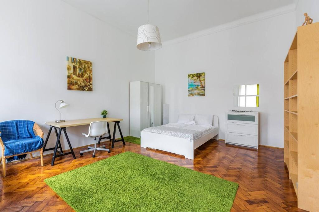 Apartment Large And Sunny Living Spaces At An Epic Location Budapest Hungary Booking Com