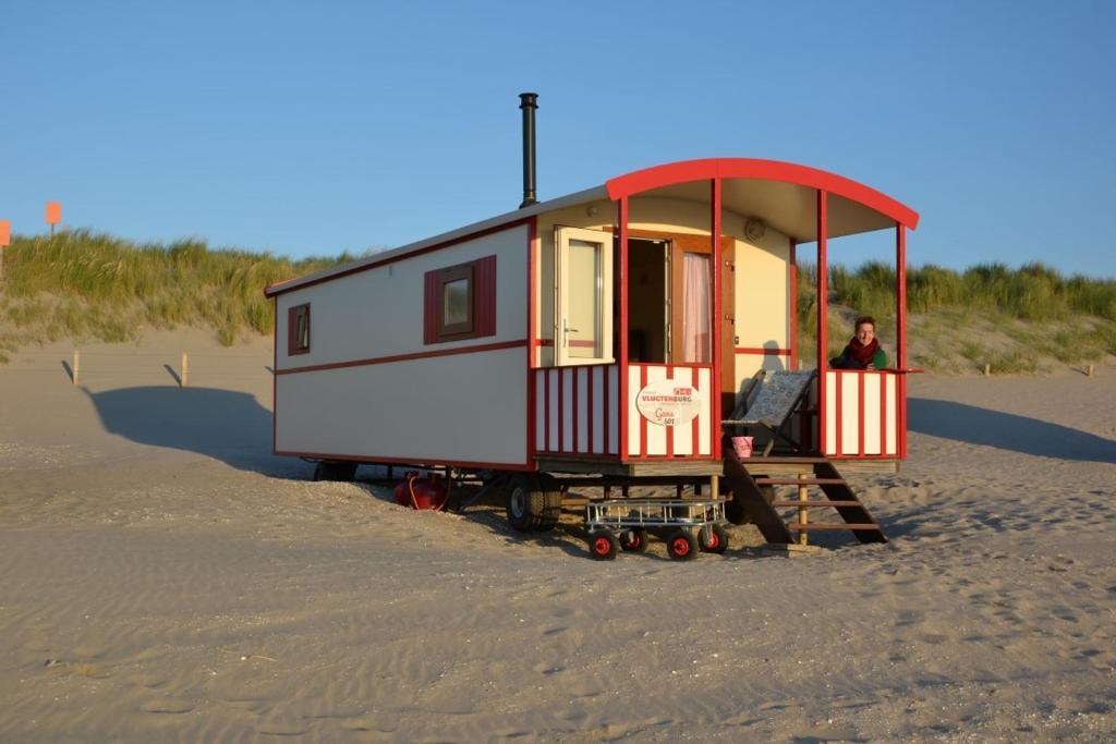 Pipowagen op het strand