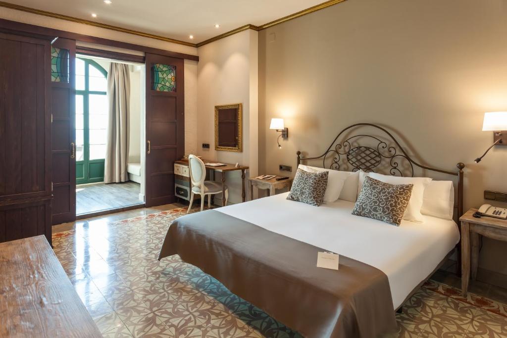 hoteles con encanto en tossa de mar  12