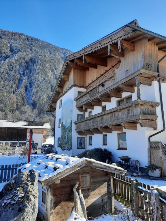 Landhaus Brugger Ferienwohnungen im Winter