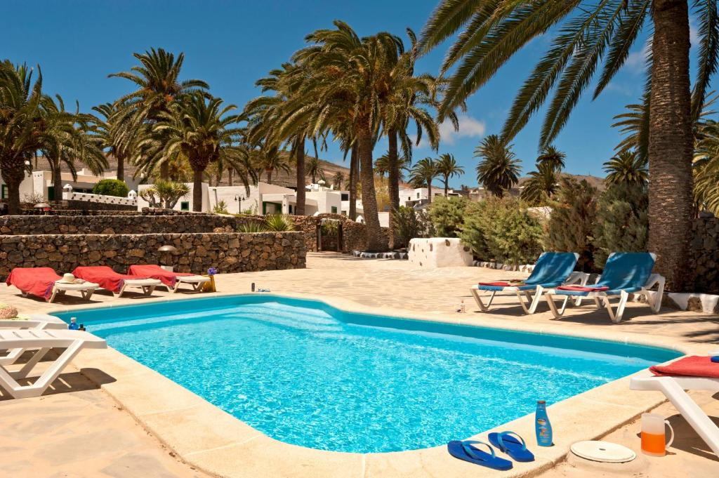 The swimming pool at or near Finca la Crucita Haria Lanzarote