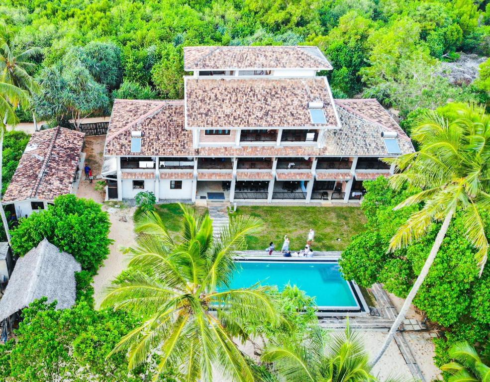 Вид на бассейн в Serein Beach Hotel или окрестностях