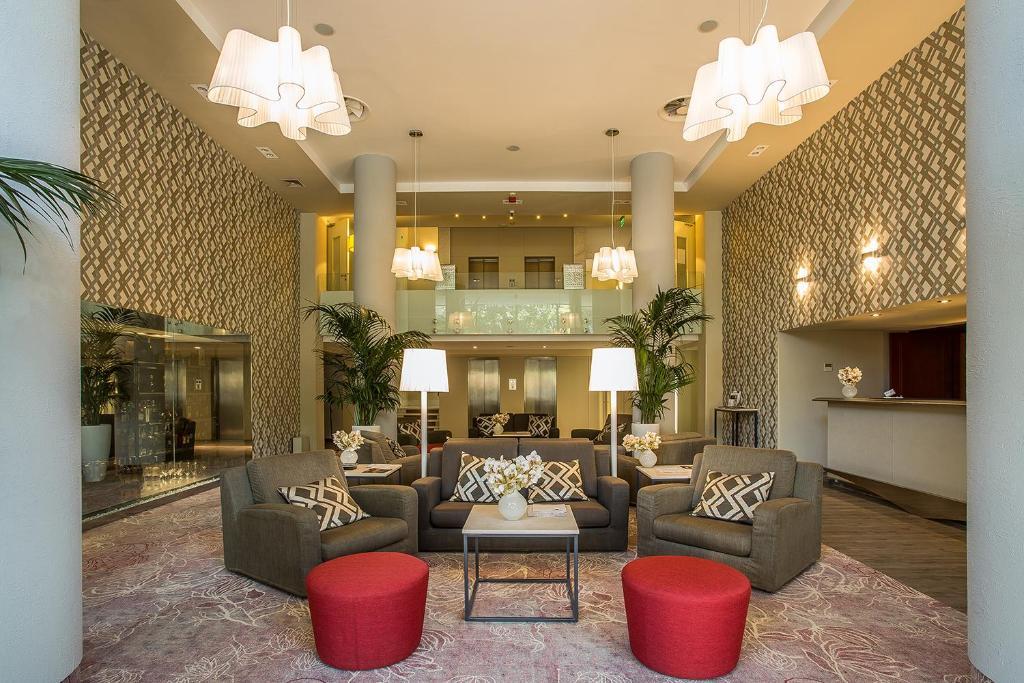 The lobby or reception area at Mamaison Hotel Andrassy Budapest