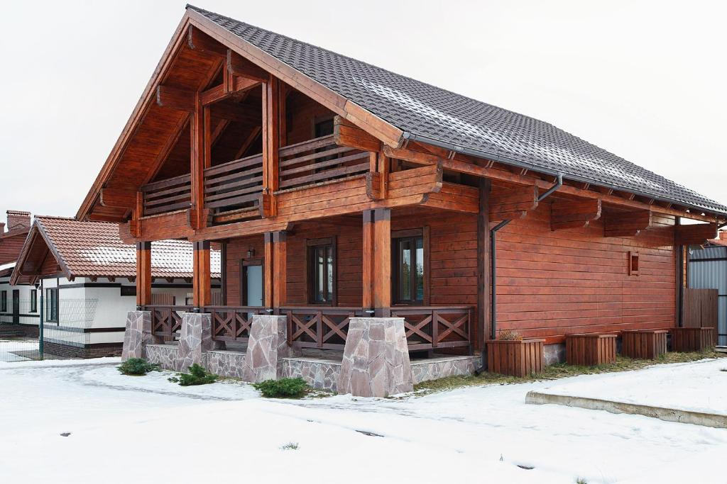 Chalet in Alpine Valley зимой