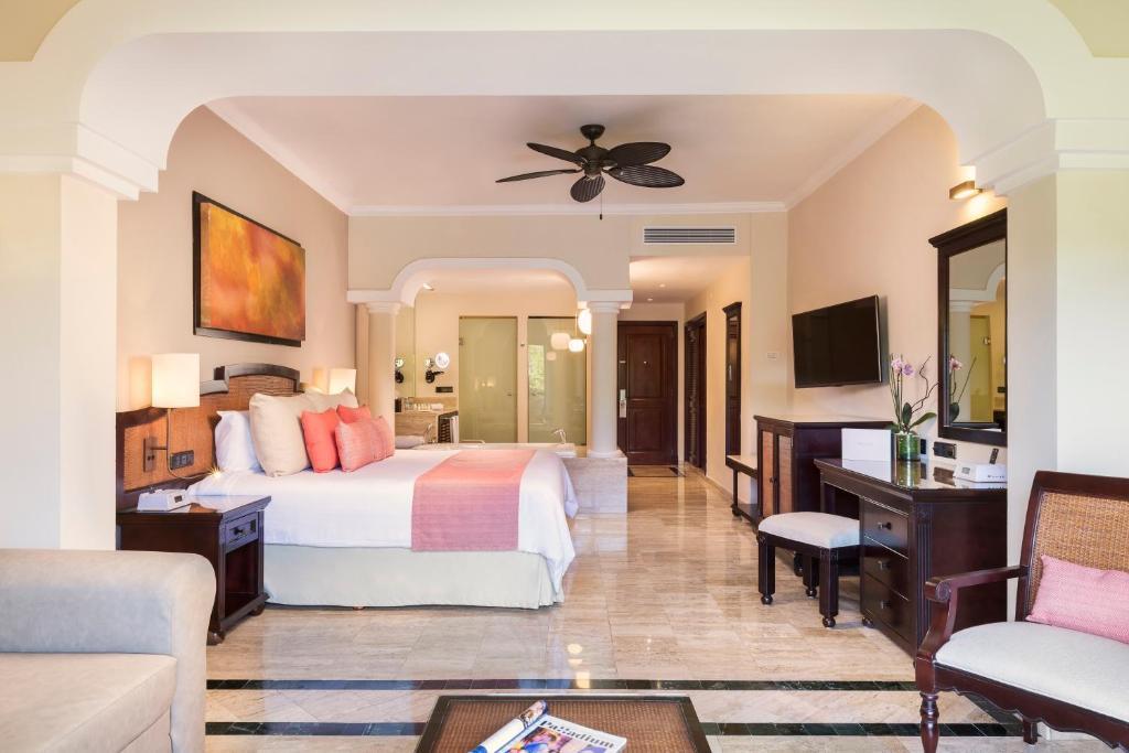 Grand Palladium White Sand Resort Spa All Inclusive Akumal Updated 2021 Prices