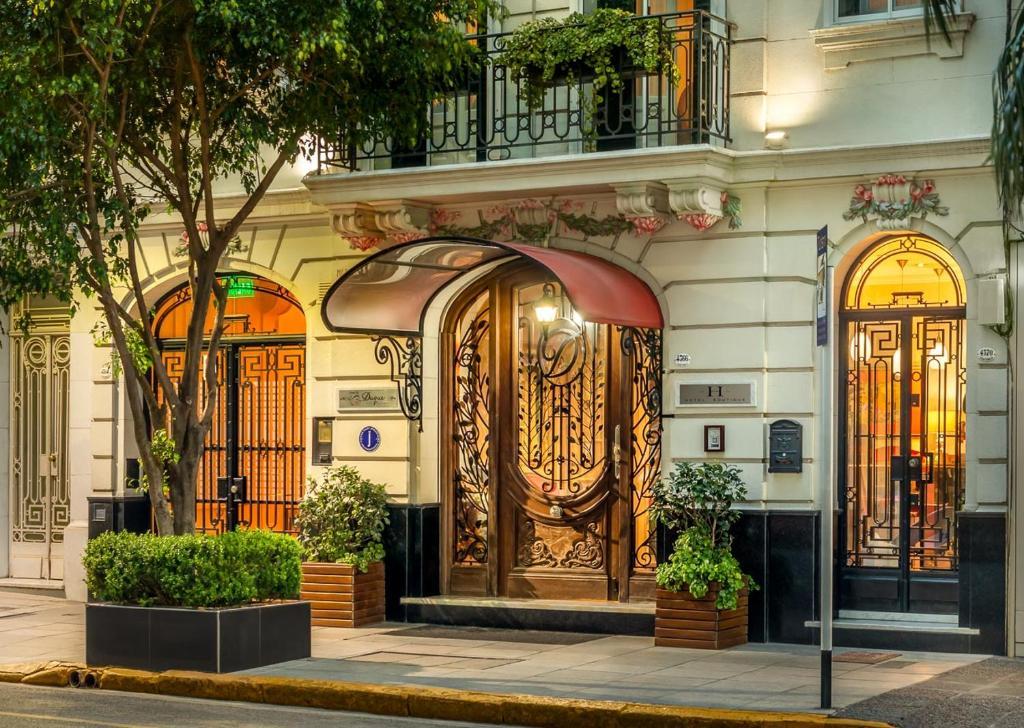 La fachada o entrada de Duque Hotel Boutique & Spa
