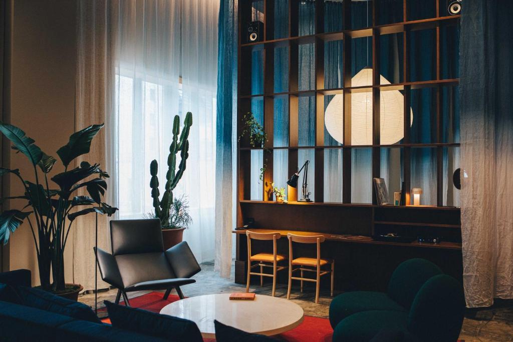 Coin salon dans l'établissement Hotel K5