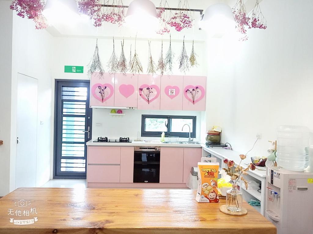 A kitchen or kitchenette at Girlish Heart B&B