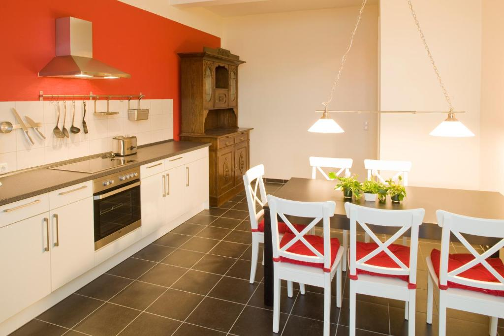 Küche/Küchenzeile in der Unterkunft Kulturgasthof Alte Reederei