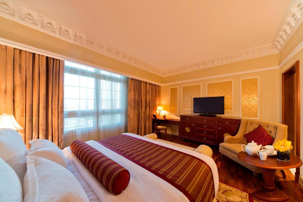 Hotel Warwick Doha, Qatar - Booking.com