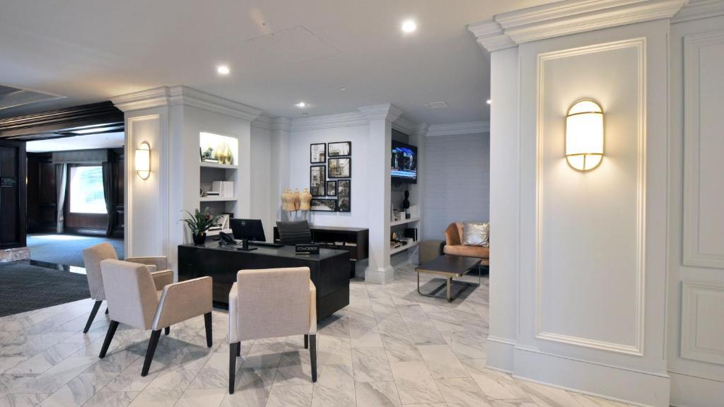 InterContinental Hotels & Resorts Kansas City at the Plaza
