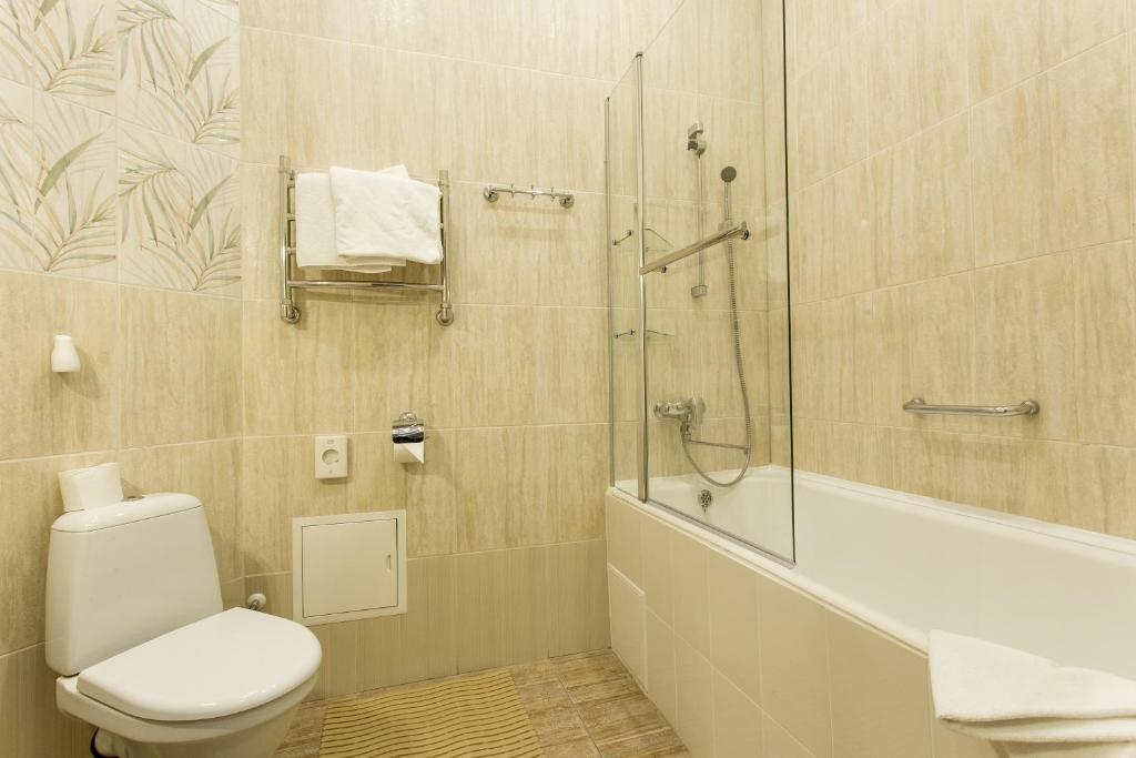 A bathroom at Art Hotel Nikolaevsky Posad