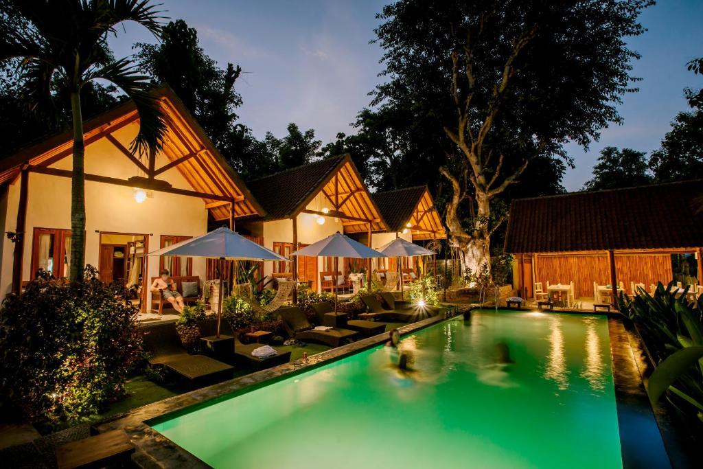 The swimming pool at or near Nuansa Penida Hostel