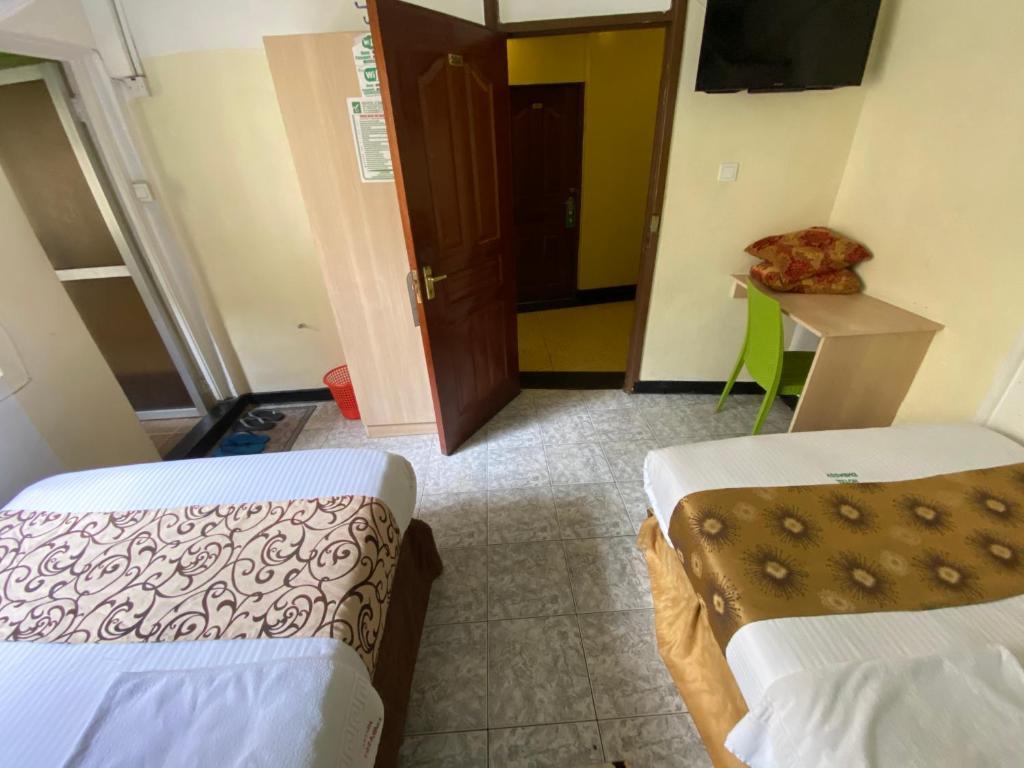 Hotel Embassy, Nairobi, Kenya - Booking.com