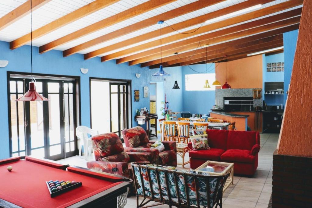 Casa com PISCINA e WI-FI em Rainha do Mar - 12 Pessoas