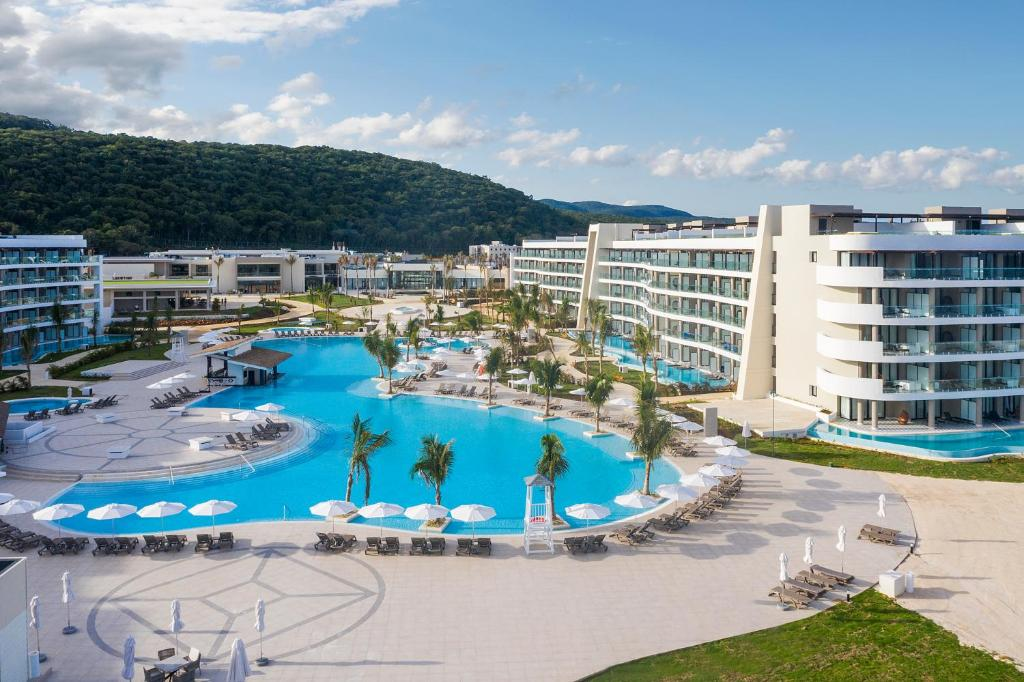 Ocean Coral Spring Resort - All Inclusive