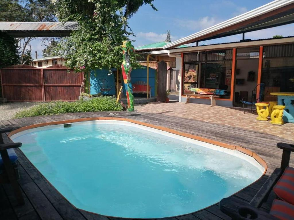 The swimming pool at or close to Cabinas Cahuita