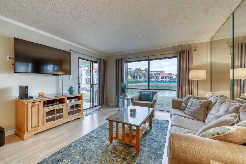 Edgewater Golf Villa 1002