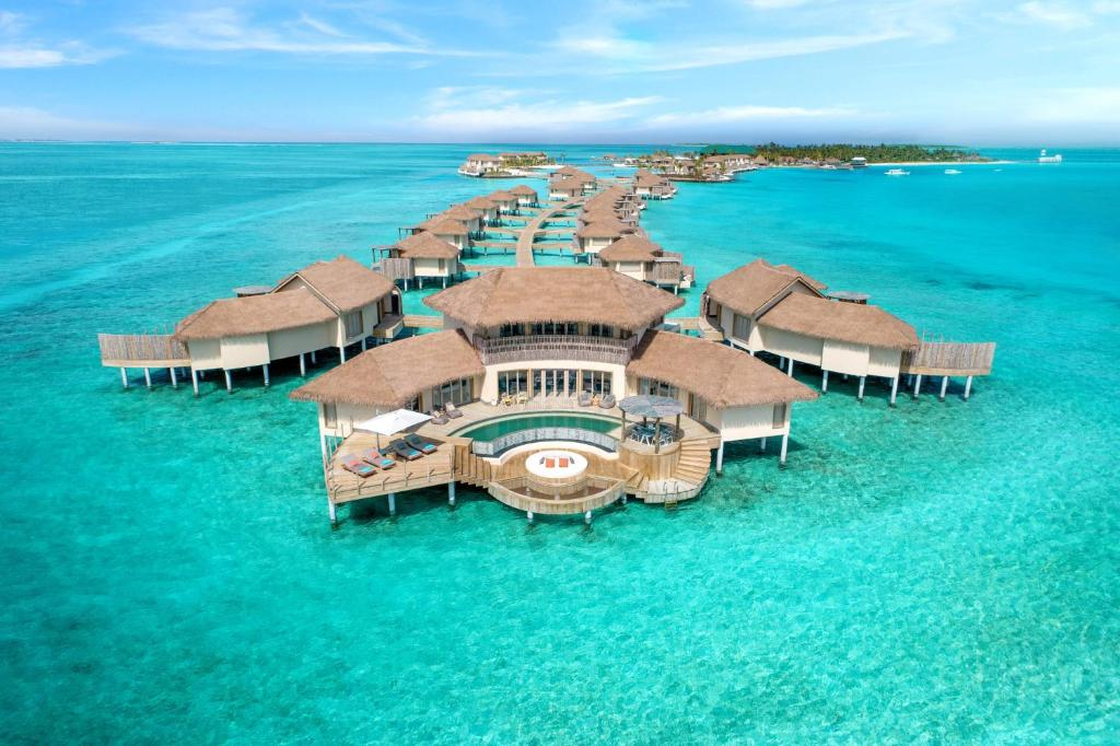 منظر InterContinental Maldives Maamunagau Resort من الأعلى