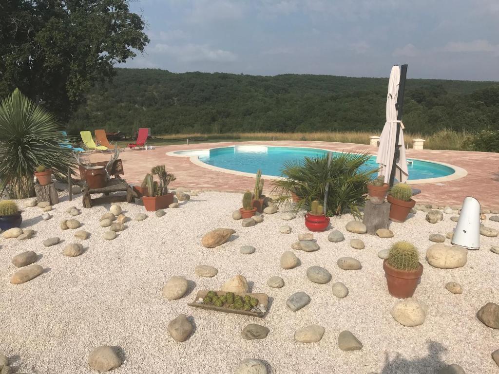 The swimming pool at or near Domaine Du Colombier, Gite La Renaissance