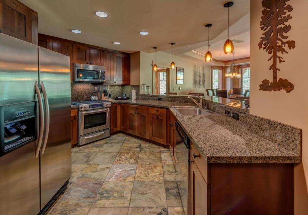 A kitchen or kitchenette at East West Hospitality at Tahoe