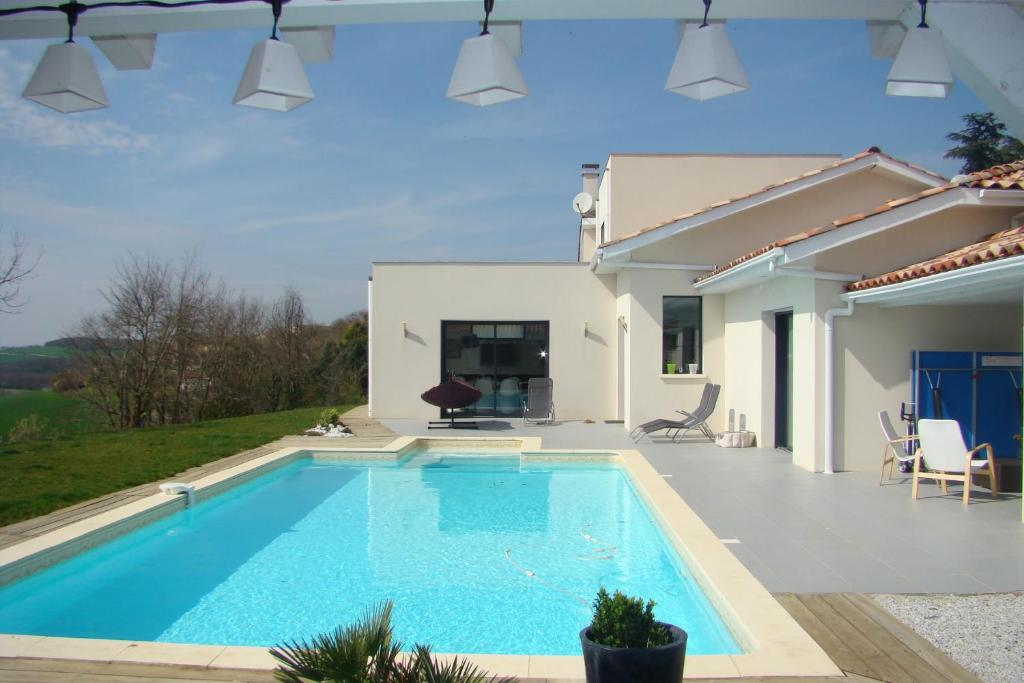Vacation Home Belle Maison Contemporaine Avec Cuq France Booking Com