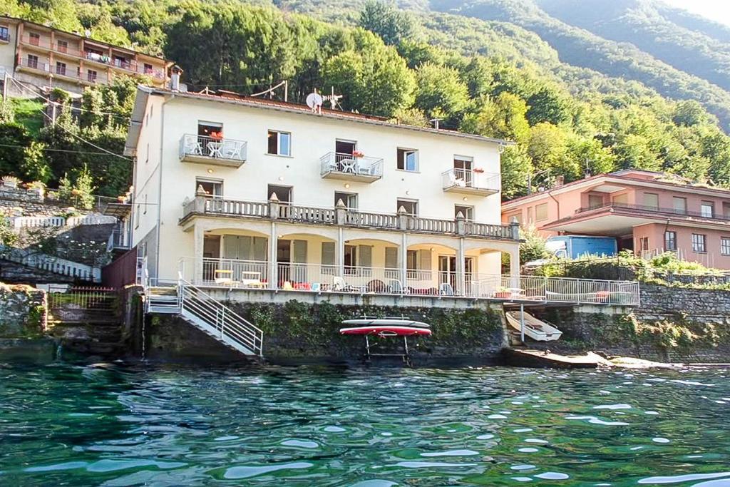 Bellagio villa дома на побережье испании