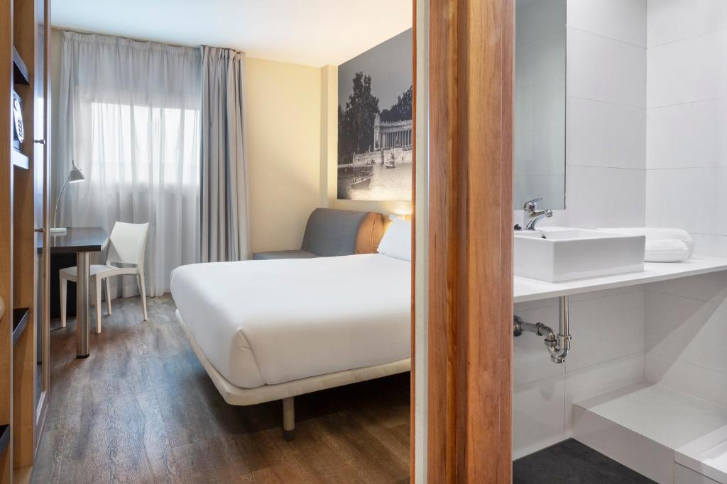 B B Hotel Madrid Aeropuerto T1 T2 T3 Madrid Updated 2021 Prices