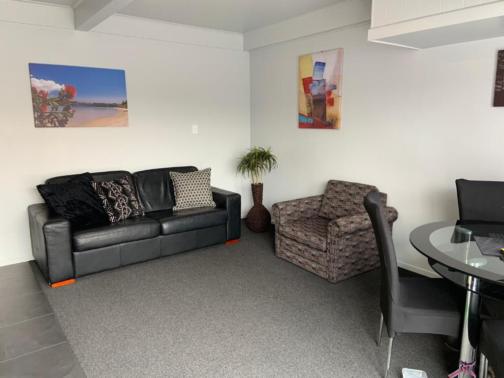 A seating area at Butlers Reef Accommodation