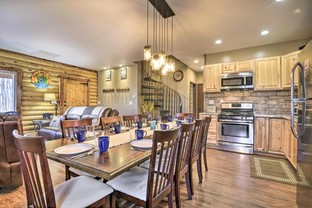 Stylish Creekside Cabin with Deck & Fire Pit!