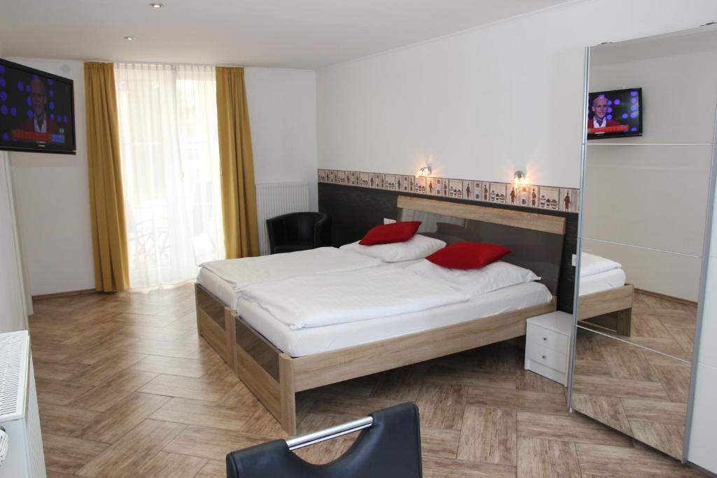 Hotel Am Donaubogen Sarching Harga Terbaru 2020