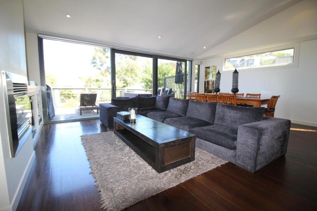 Lorne Holiday House