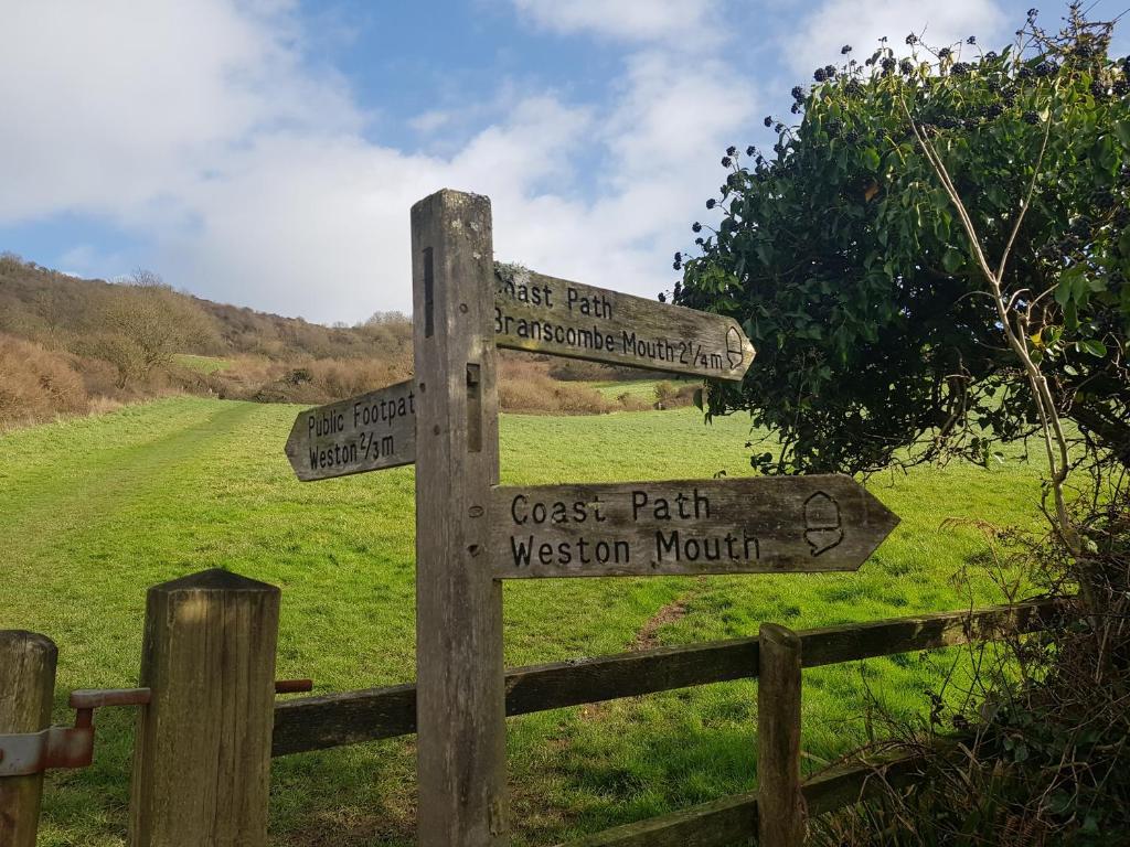 Stoneleigh Village - Laterooms